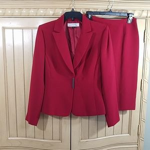 Tahari Red Suit, skirt/jacket, sz 4